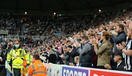 Newcastle vs. Tottenham halted after players alert staff to medical emergency in stands