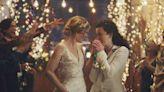 就是欠教訓!下架女同志婚禮廣告惹眾怒,美國電視台「賀軒頻道」連忙道歉滅火