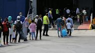 Greece steps up refugee transfers from congested Lesbos