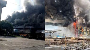 台中火力發電廠火警!輸煤轉運塔黑煙竄「全面燃燒」