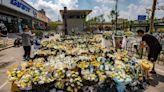 災後鄭州:一萬條牛仔褲、浸水車和鮮花的河流(組圖) - 劉敏 - 時評