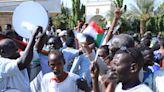 不滿文人政府空談無政績 蘇丹軍系支持者高喊總理下台--上報