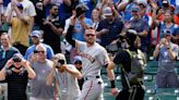 Kris Bryant returns to Wrigley Field, Giants beat Cubs 6-1