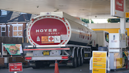 Hauliers and poultry workers to get temporary visas