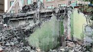 花蓮漫波飯店拆除意外 整棟樓倒路面