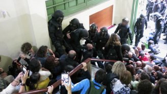 回憶「被踹下樓梯的那天」 爭取獨立群眾遭黑警暴力對待