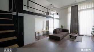 日式極簡主義當道 !2 個人住的 13 坪複層雅居