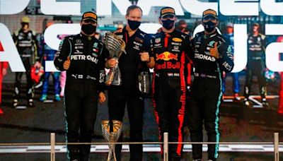 When does the Formula 1 season start and what is the 2021 race schedule?