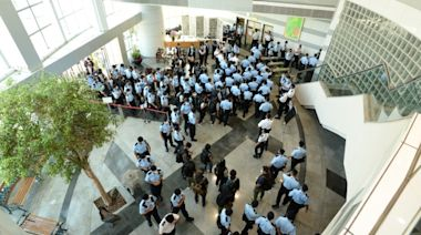 蘋果日報主筆李平傳被捕 員工被嚇再抓100人(圖) - - 時事追蹤