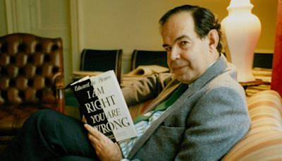 Edward de Bono, guru of 'lateral thinking' who spread his quirky ideas with a salesman's enthusiasm – obituary