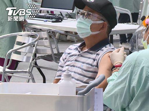 臨床試驗「混打AZ+莫德納」 台大護理師:感覺被車撞兩次