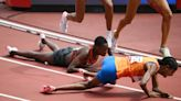 Dutch runner takes hard fall, somehow rallies back to win 1500m heat