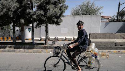 佔領喀布爾一個月後 塔利班陷入經濟危機