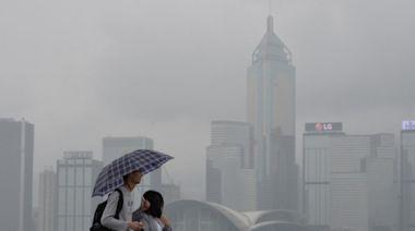 雷暴及酷熱天氣警告正生效 大致多雲有驟雨