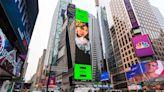哎唷魏呀! 又一金曲歌后登紐約時代廣場