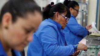 Mexico's Economy Falters as U.S. Chugs Along