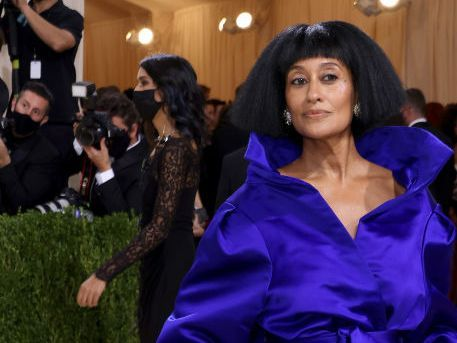 """Tracee Ellis Ross Channeled Her Mom's Iconic """"Mahogany"""" Character at the 2021 Met Gala"""
