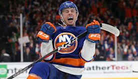 Twitter serves as Anthony Beauvillier's wingman after Islander tweets at Anna Kendrick