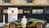 "《中英對照讀新聞》\""Revenge-Spending\"" clears out Lamborghini for Most of 2021「報復性花錢」買光藍寶堅尼2021年大部分產量"
