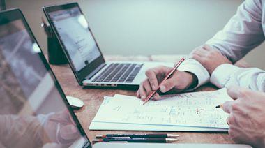 存ETF》超簡單的傻傻存、穩穩賺 新手該如何著手? 2重點是關鍵 - 財訊雙週刊