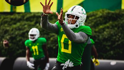 """Mario Cristobal expects Dede Lenoir """"to be completely healthy"""" for UCLA"""