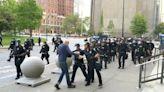 75歲示威者被推倒腦出血 葛謨要求水牛城警方解雇推人警員