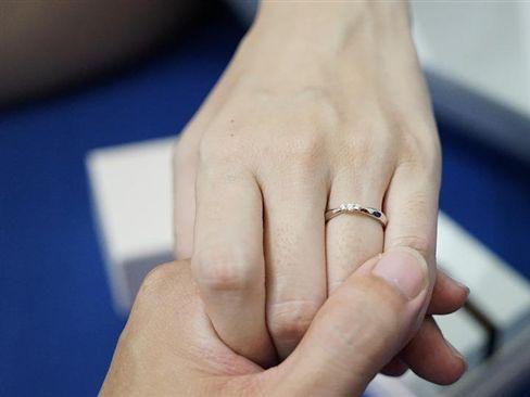 男友求婚超開心 她得知戒指來源氣炸