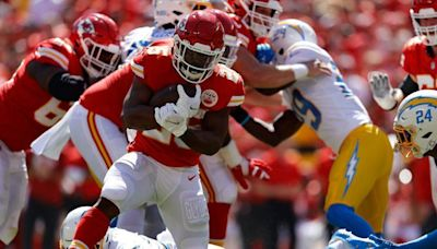 Chiefs take lead on Patrick Mahomes' touchdown throw to Clyde Edwards-Helaire