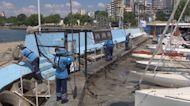 Turkey begins to clean up 'sea snot' choking its coast