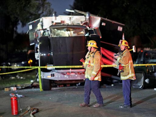17 people hurt in blast after Los Angeles police seized fireworks
