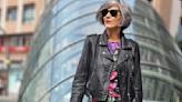 Carmen Gimeno le da un golpe de efecto al vestido de flores más viral de Zara para un look de 10