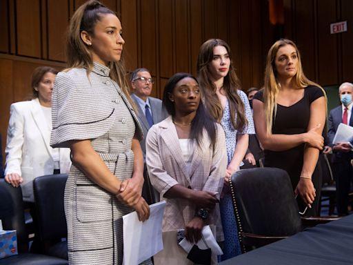 體操|比莉絲出席聽證會 怒斥制度縱容性侵案