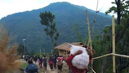 Myanmar town near India border sees exodus as thousands flee fighting
