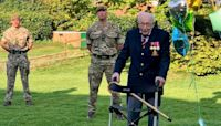 99-Yr-Old Vet Raises Over $19 Million For Hospitals By Walking Around His Garden.