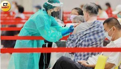 88歲嬤打BNT疫苗「全身劇痛」不到3小時身亡!解剖報告出爐