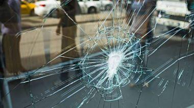 北市牙醫診所11天前遭潑漆 現玻璃無故破裂…初判它幹的