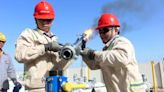 Crude Oil Higher; Economic Recovery, Falling Inventories Help By Investing.com