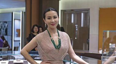 出道就合作張國榮、資源好過劉嘉玲,怎麼最後得罪了半個娛樂圈?