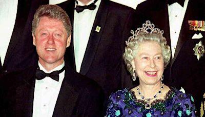 Revelaron el motivo por el que Bill Clinton rechazó una invitación para tomar el té con Isabel II