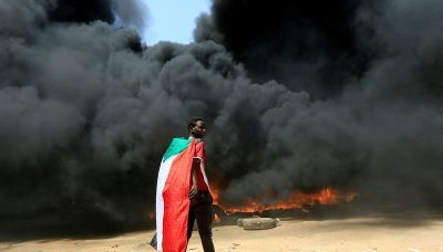 Mass protests held in Sudan against prospect of military rule
