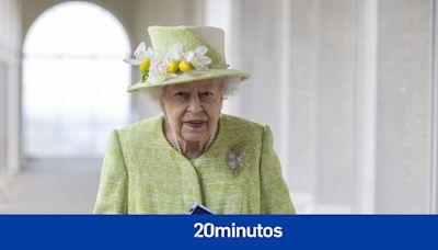 """La reina Isabel II rechaza un premio a 'Viejita del año': """"Su majestad cree que eres tan viejo como te sientes"""""""