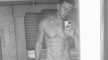 """Channing Tatum Says """"Daddy's Back"""" With a New Shirtless Selfie"""