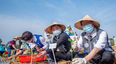 桃市長4熱門人選同場種西瓜 鄭文燦:要大西瓜現在沒種怎會有