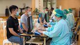 今起AZ疫苗開放預約 全台75歲長者優先「縣市措施一次看」