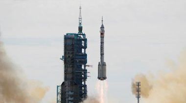 中國宇航員開始執行空間站階段首次載人飛行任務