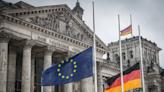 《歐股》德上修GDP 歐旅遊股登近1年高 泛歐指紅-MoneyDJ理財網