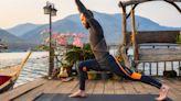 La perfetta routine di yoga da 15 minuti per potenziare forza, mente e allenamento cardio