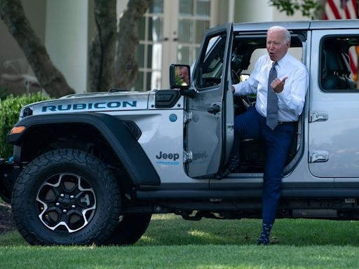 'No turning back:' Biden signs order targeting half of all vehicles sold in US to be zero-emissions by 2030