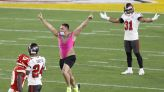 Super Bowl streaker charged with trespassing after 4th quarter publicity stunt