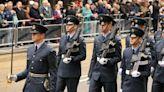 英國皇家空軍性霸凌影片曝光:入伍儀式迫新兵全裸 12公斤迫擊砲塞下體
